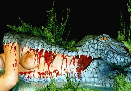 http://jlardeux.free.fr/HFR/funny%20pics/bodypaint-krokodyl.JPG